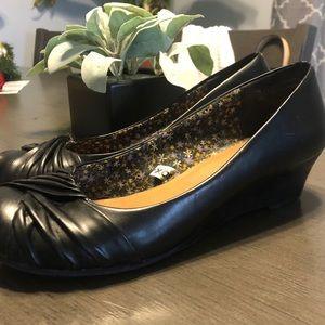 Xhilaration black wedge heels shoes size 8